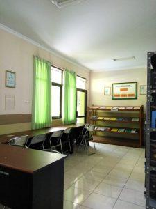 Ruang baca STIKes Kuningan